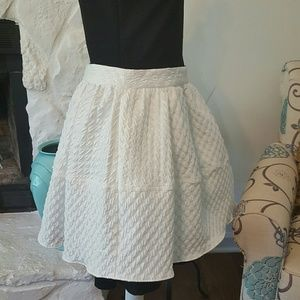 EXPRESS TEXTURED WHITE SKIRT NWT SIZE 12